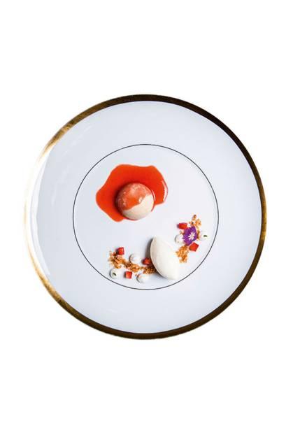 Zabaione de canela: combinado a sorvete de queijo e vira uma espécie de romeu e julieta, mas com calda de morango