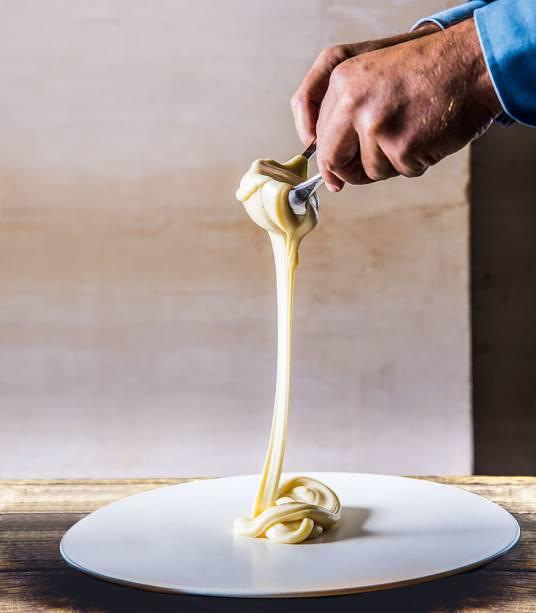 Uma das marcas do D.O.M.: o aligot é um purê de queijos