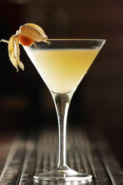 Na carta de bebidas, o side martini é feito de gim, saquê, pera, laranja-kinkan, limão e aroma de gengibre