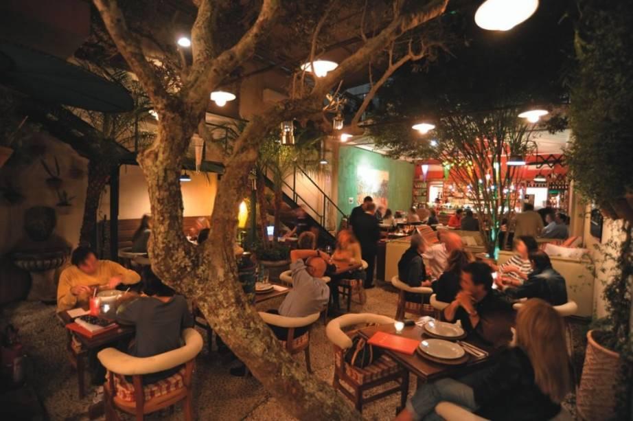 O agradável salão do Olea Mozzarella Bar: o menu inclui massas e pizzas de massa média