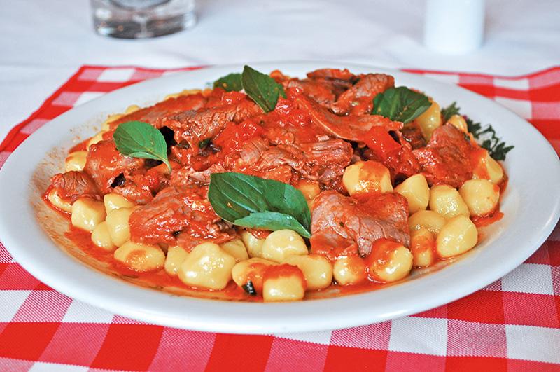 La Pergoletta: nhoque macio ao molho de tomate