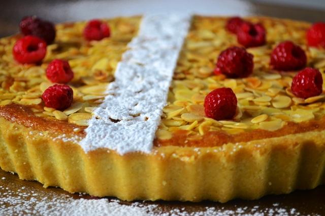 Torta de Amêndoas e Framboesa