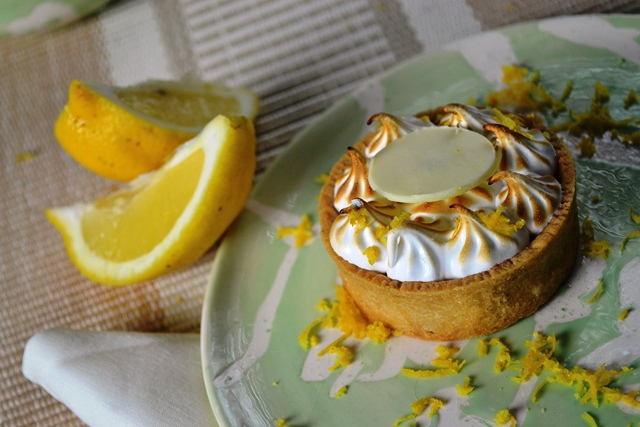 Tortinha de Limão com Merengue Maçaricado