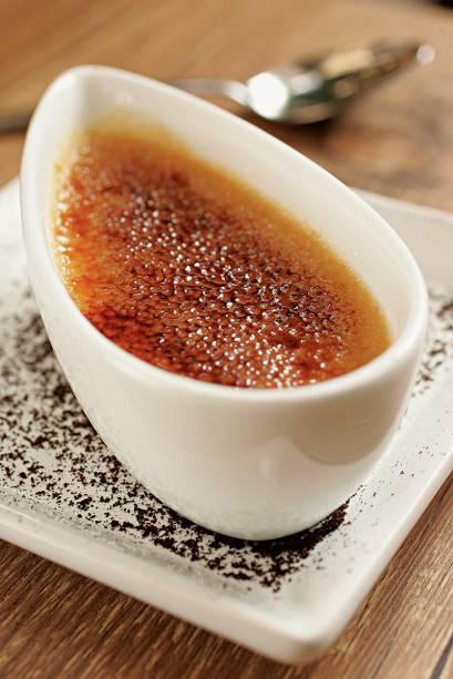 Creme brûlé: experimente a pedida com doce de leite e um toque de café