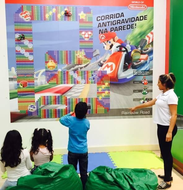 No Espaço Divertido DTC Toys, as crianças podem brincar com  jogos do Super Mario
