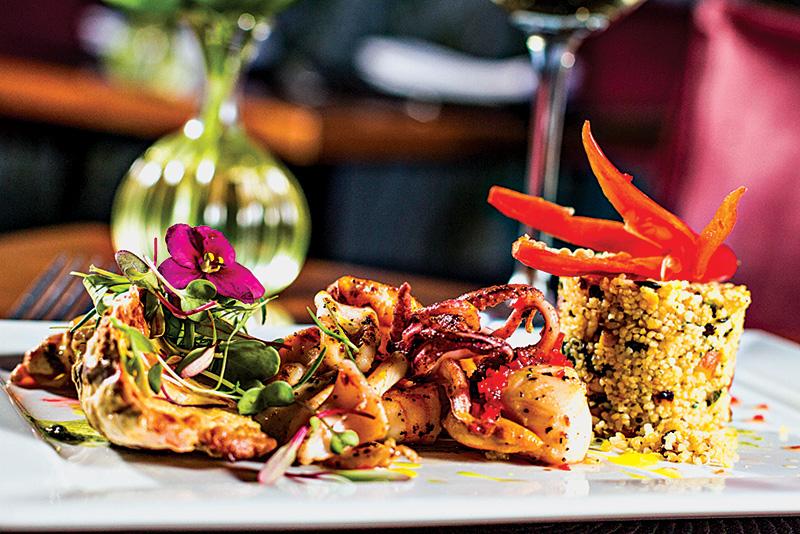 O prato exotique: com vieira, lula, camarão e ostra