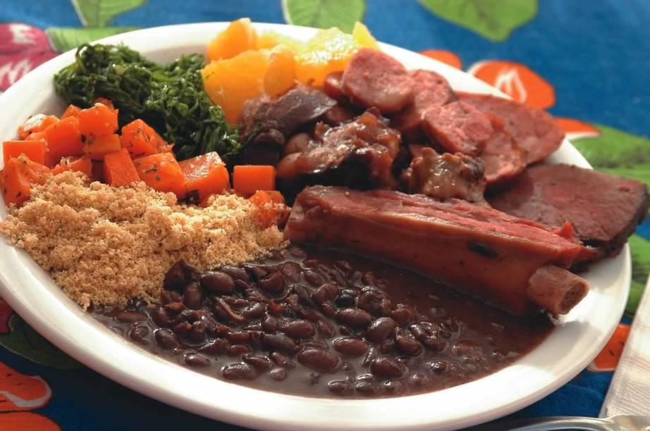 Feijoada da Bia: prato-símbolo da culinária brasileira