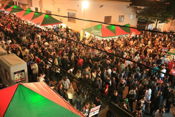 A Festa de San Gennaro reúne comida típica e música italiana nas ruas da Mooca