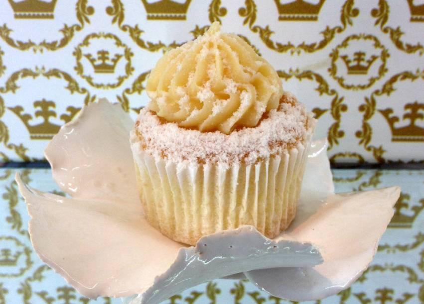 Versão cupcake: massa de baunilha e recheio de doce de leite