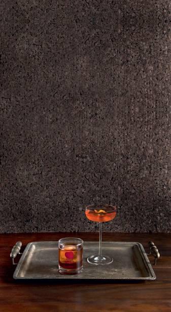 Os drinques levam o caro conhaque francês Hennessy V.S.O.P.