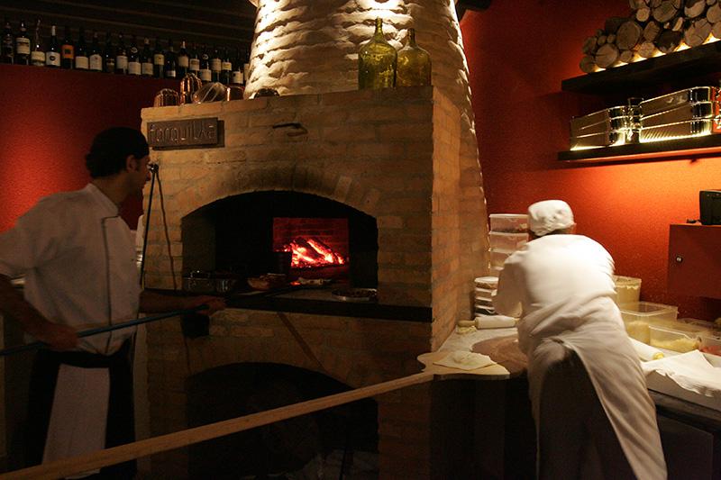 Forquilha: dedicado aos sabores do forno a lenha