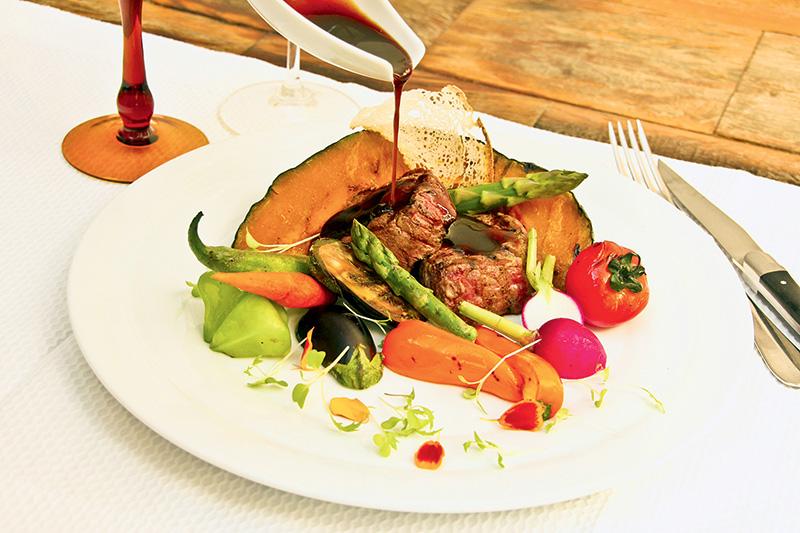 Filé-mignon ao molho de vinagre balsâmico: parte do menu