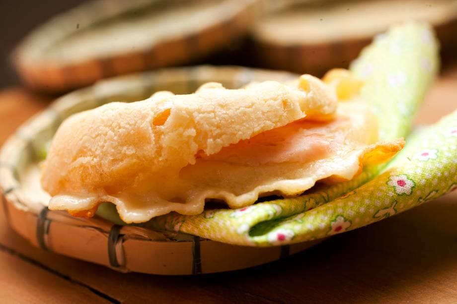 Chega prensada a versão de queijo mussarela com presunto