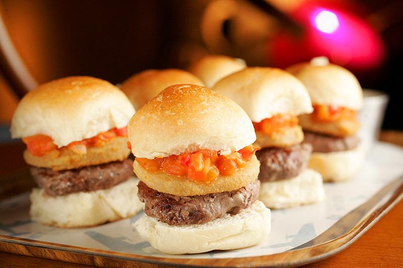 Prove os piaggio aero: hamburguinhos de picanha