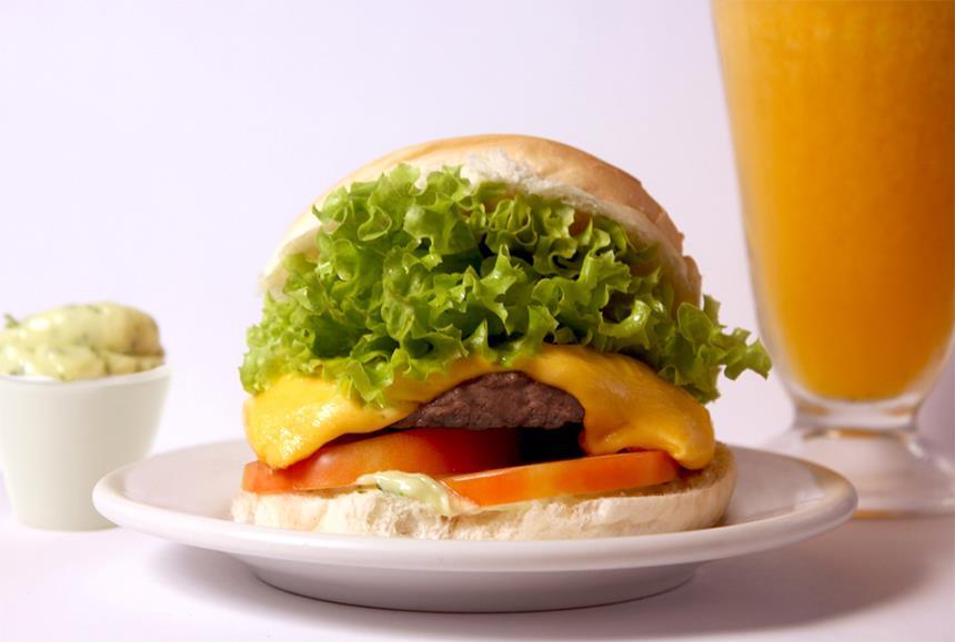 Hamburguinho: x-salada é um dos mais pedidos