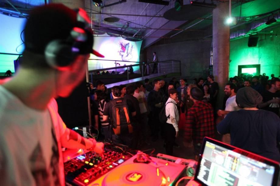 DJ Trusty: no comando das picapes do Happenings