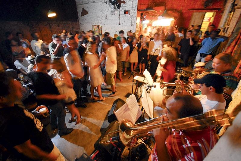 Movimentação no bar Ó do Borogodó
