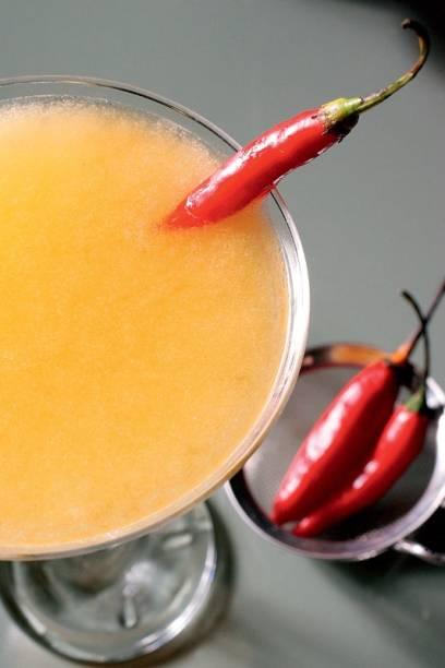 Margarita de manga com toque de pimenta dedo-de-moça: um dos drinques do Suíte Savalas