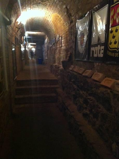 Túnel tem uma aparência sombria
