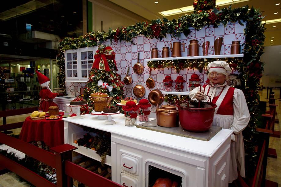 Decoração de Natal do Shopping Center Norte tem Mamãe Noel