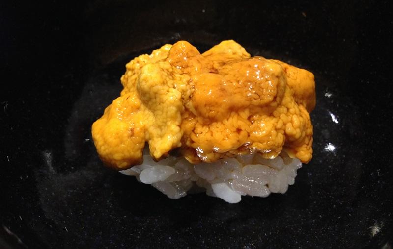 Sushi de ouriço do mar