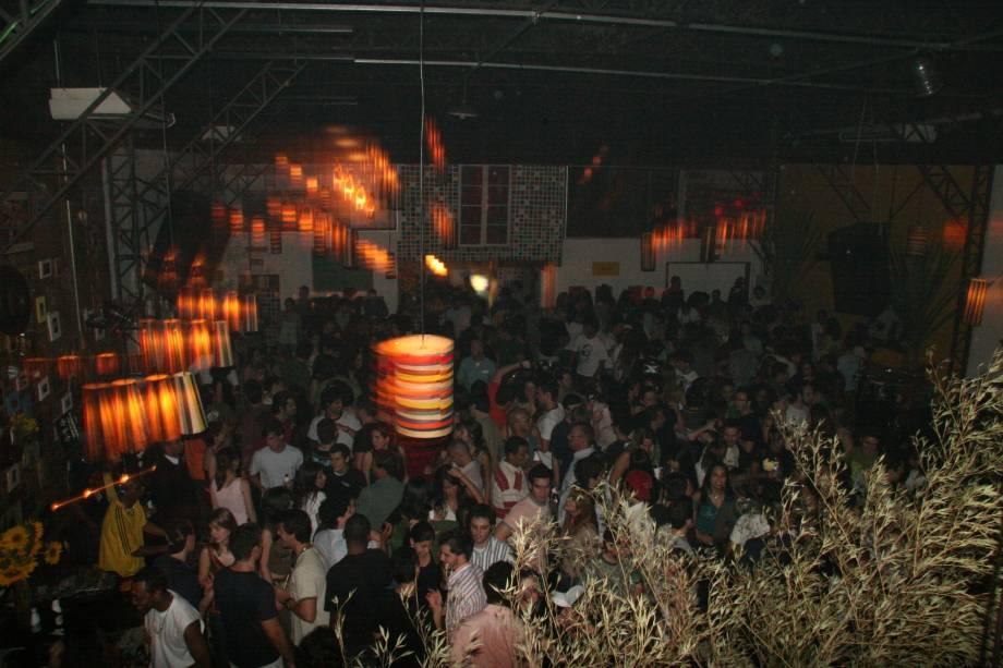 Diquinta: festas regadas a MPB e samba costumam agitar as noites da casa da Vila Leopoldina