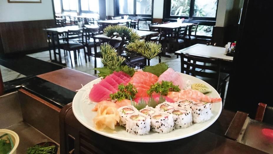 O combinado de sushi e sashimi