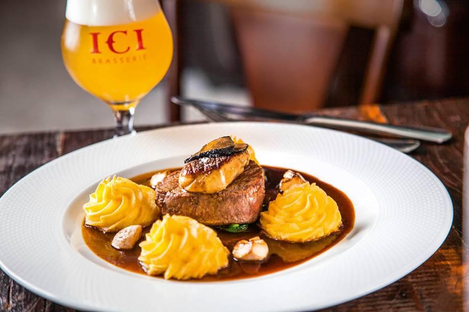 Tournedo rossini: filé-mignon finalizado com foie gras e trufa negra