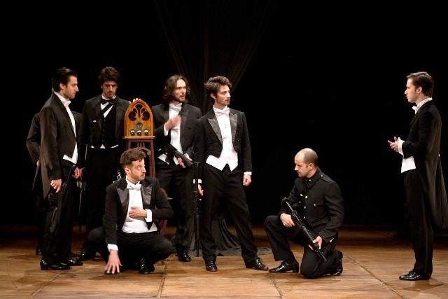 No drama, sete criminosos ocupam um andar de um hotel em Paris