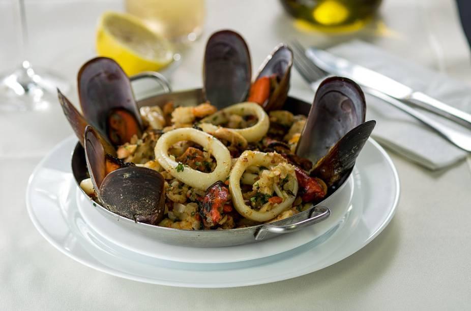 A frigideira de frutos do mar
