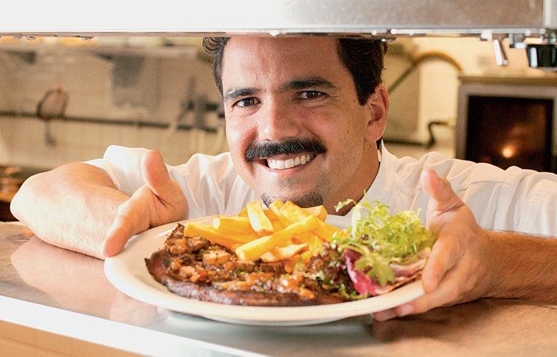O chef Chico Ferreira, que comanda três casas de menu idêntico
