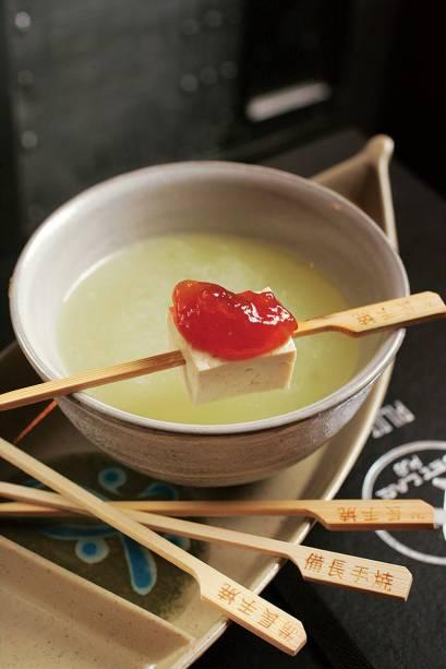 Picante japão: saquê, xarope de amêndoa, limão-siciliano, melão e wassabi