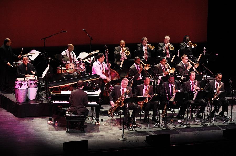 A formação Jazz at Lincoln Center Orchestra, que toca com Wynton Marsalis