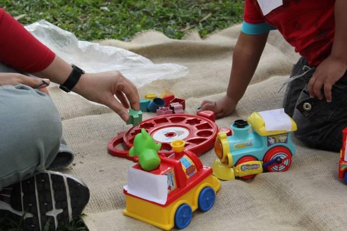 Feira de troca de brinquedos Instituto Alana