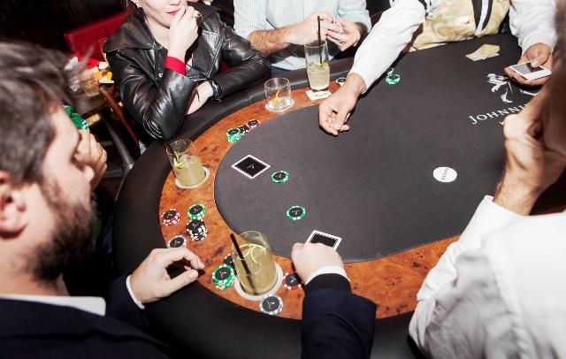 Aulas de pôquer - SubAstor