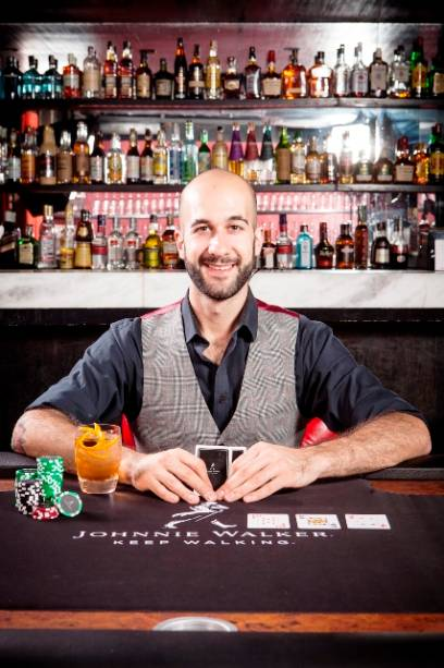 O bartender Fabio La Pietra