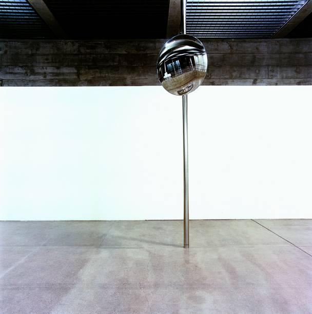 Exposição é resultado do convite da galeria para artistas se manifestarem sobre a situação política atual