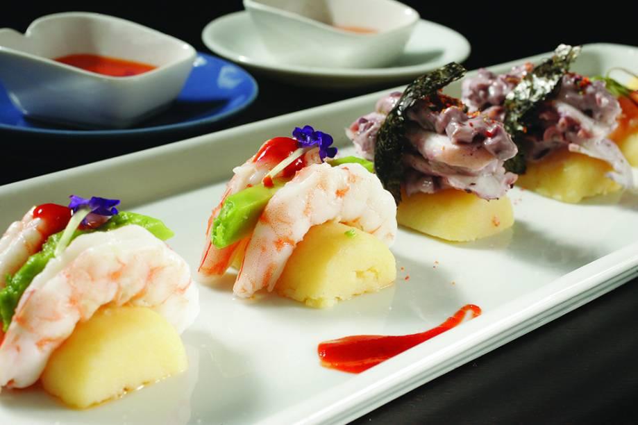 Causushi, os bolinhos de batata com diferentes coberturas