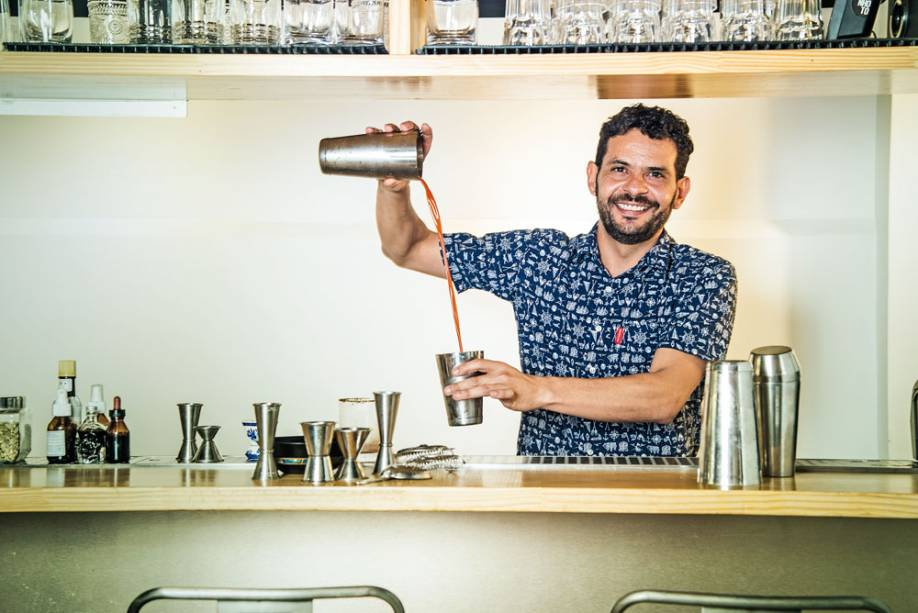 Vinícius Apolinário, o Vina: paulista é o novo bartender do Komah