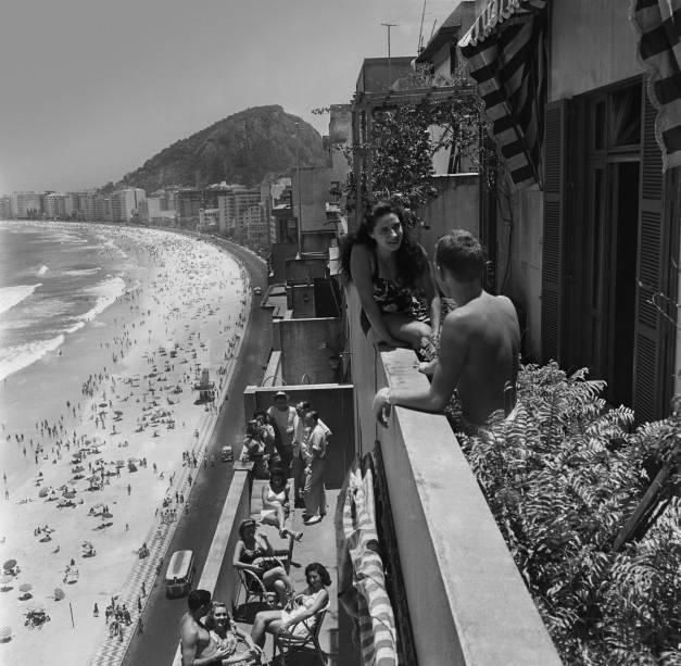 Nas Sacadas da Avenida Atlântica, de Kurt Klagsbrunn (1945).