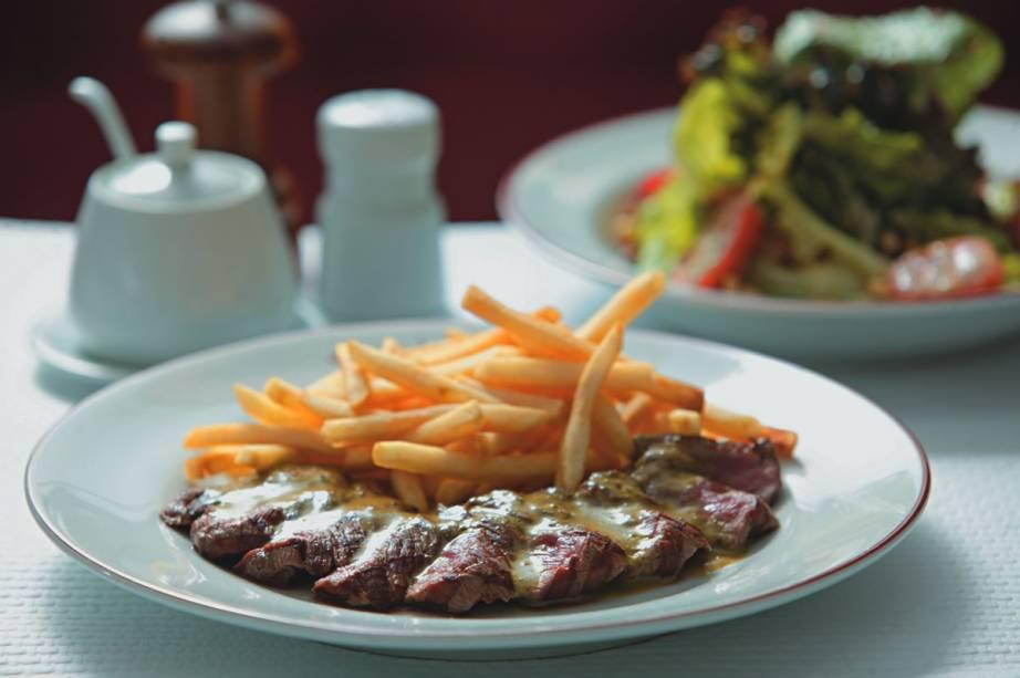 No LEntrecôte de Paris: único prato do menu, o contrafilé acompanhado de batata frita