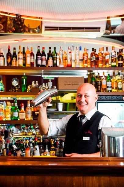 O barman chileno Rodrigo Sepúlveda é o responsável pela carta