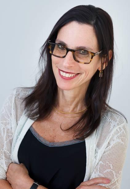 a historiadora Lilia Schwarcz é uma entre os cinco curadores-adjuntos responsáveis pelos diferentes núcleos do acervo
