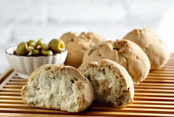 Lilóri: pão com recheio de azeitona