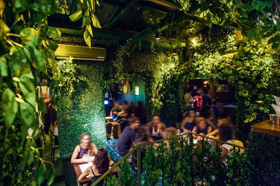 Bar Revelação: o endereço de decoração extravagante ferve desde a inauguração