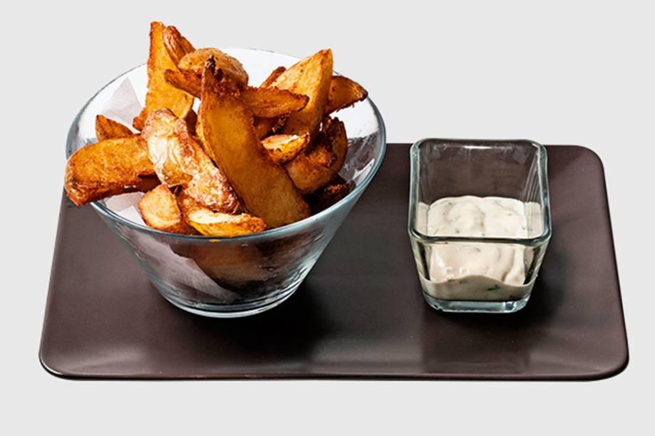 Batata rústica: gomos cozidos e fritos