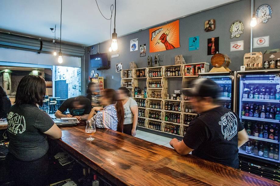 O salão descolado: misto de empório e bar de cervejas