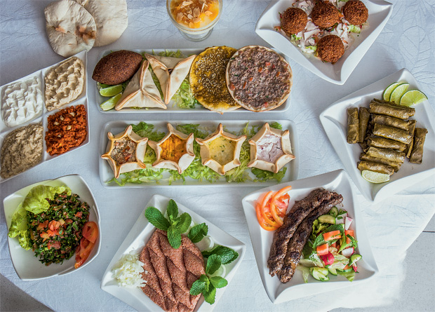 Chef Benon — O Árabe: refeições preparadas pelo libanês Benon Chamilian