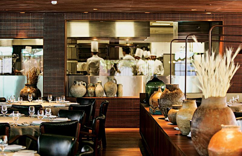 Trattoria: salão idealizado pelo arquiteto Isay Weinfeld