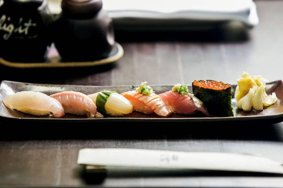 Seleção de sushis: preparados por Celso Hideji Amano